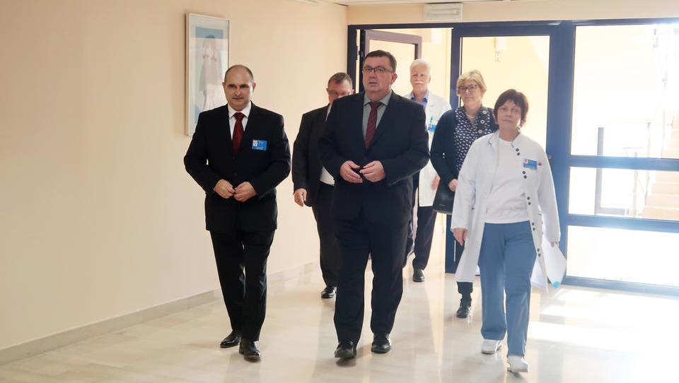 Bolnišnica Izola z dopisom zdravnikom odvrača urgentne paciente: pošljite jih kam drugam
