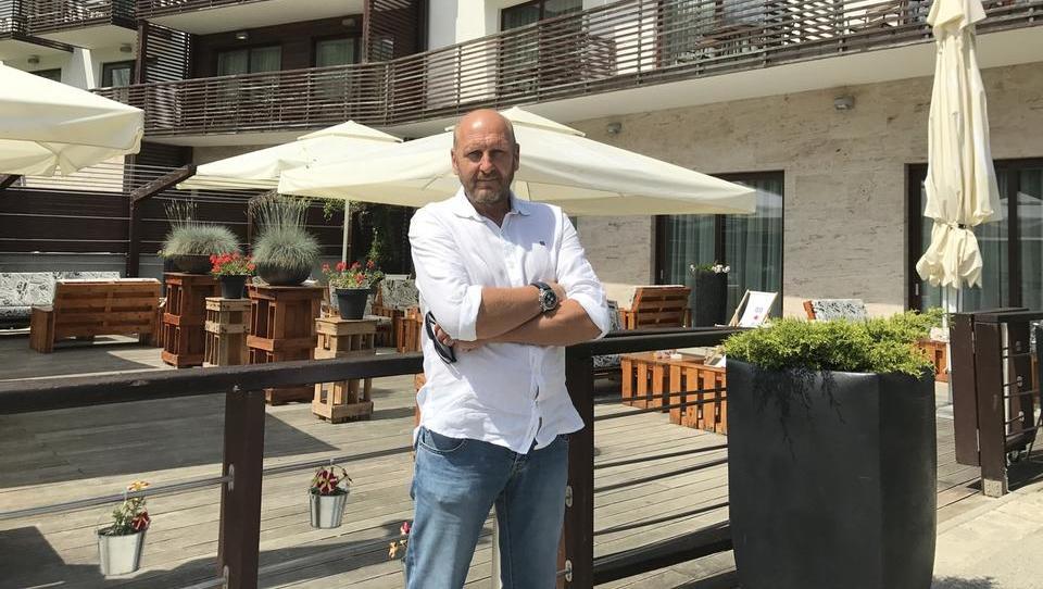 Kdo je podjetnik, ki želi kupiti tri hotele na Pohorju