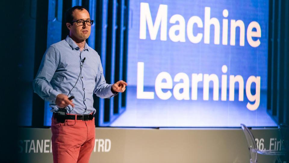 S Finančne konference: Kako se računalnik lahko odloča hitreje od človeka