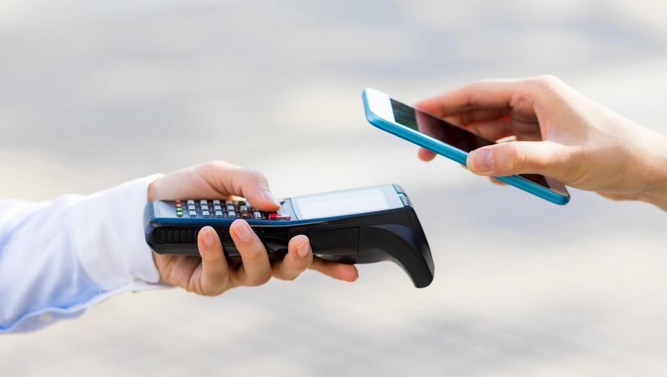 Fintech v letu 2020 – počasno odmiranje gotovine in hitri vzpon digitalnega plačevanja