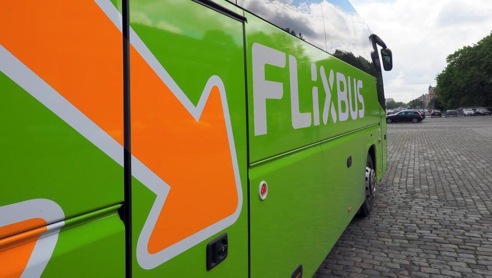 Flixbusov cunami: od avstrijskih državnih železnic kupili tekmeca Hellö