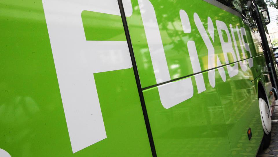 Dobra novica: Flixbus gre na železnice. Lahko ponovijo recept in postanejo največji?