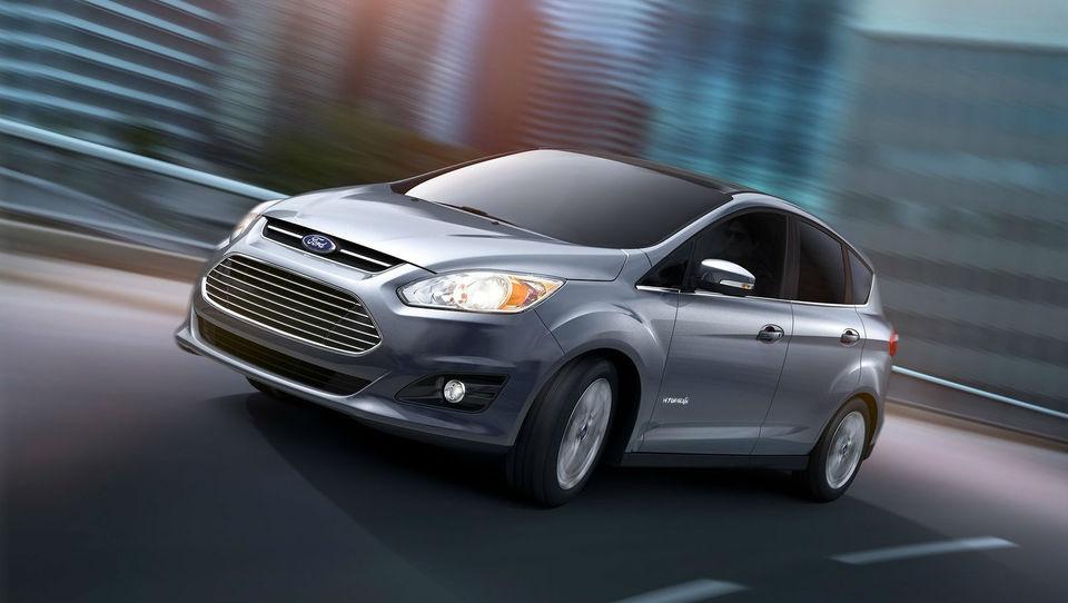 Ford snuje hibridnega tekmeca priusu