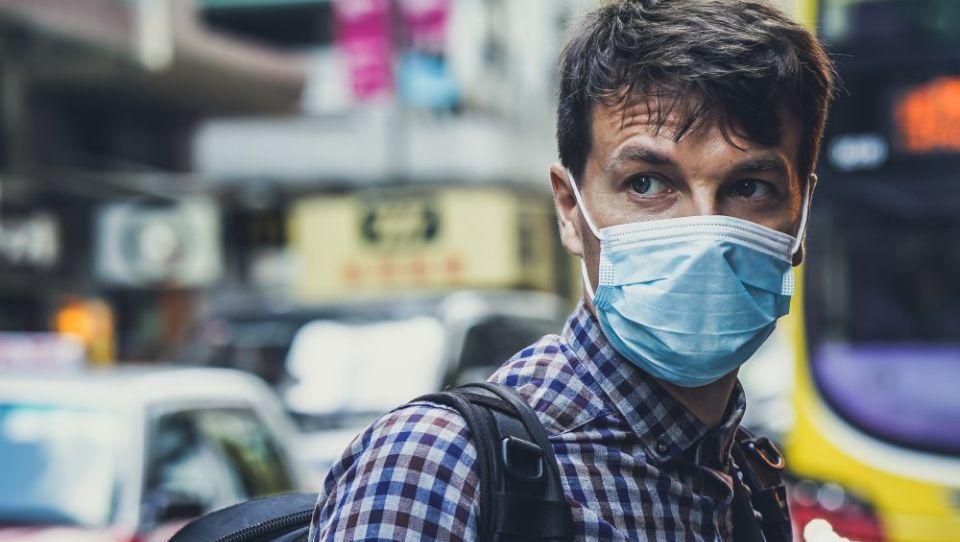 Koronavirus ne škodi samo zdravju, ampak tudi finančnemu trgu