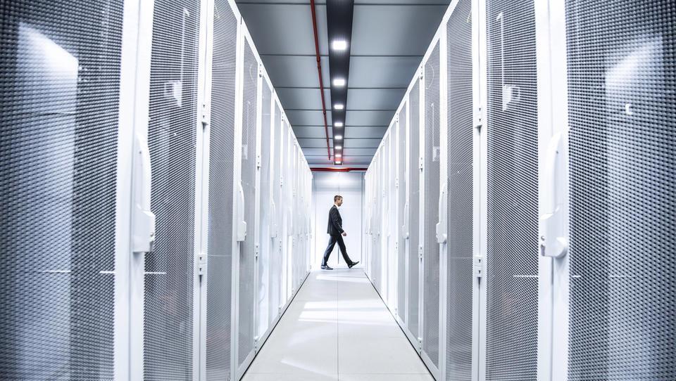 Zakaj je podatkovni center bolje najeti kot graditi?