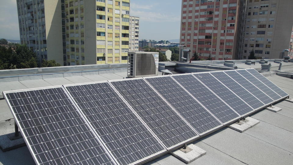 Elektro Božiček 2: tudi stanovalcem blokov samooskrbne fotovoltaike