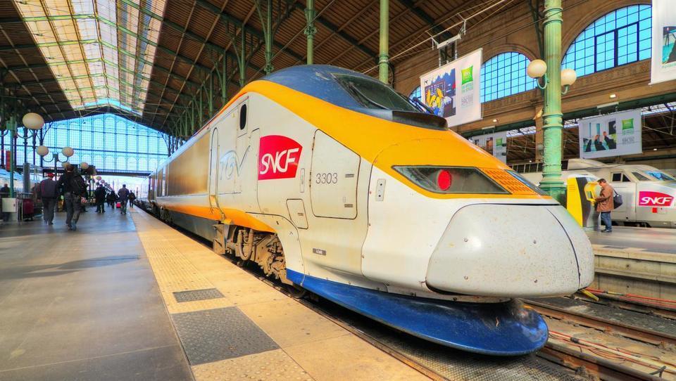 Alstom in Siemens ustvarjata evropskega prvaka v železniški industriji