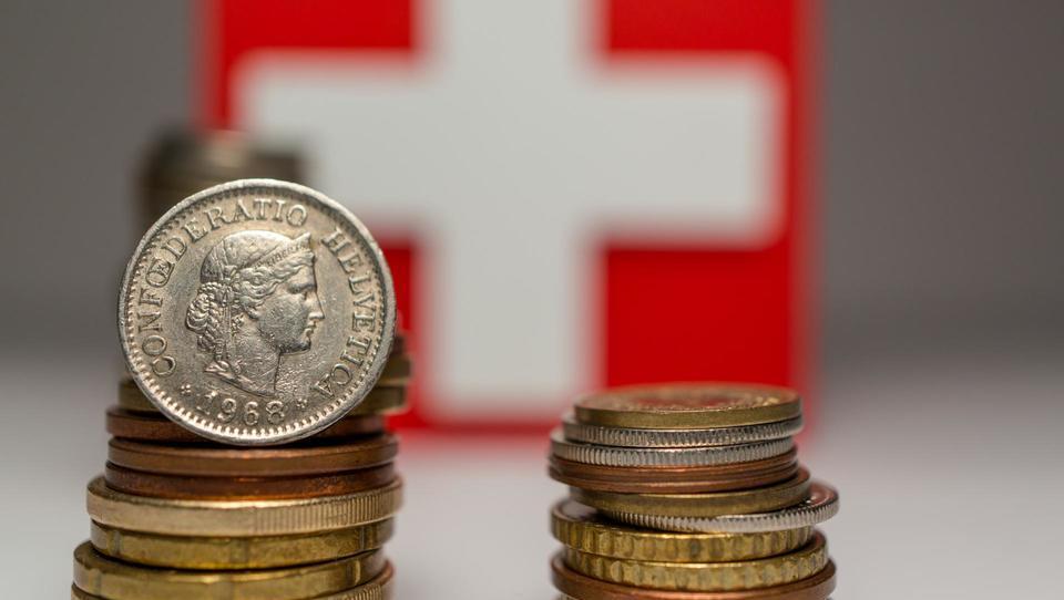 Sodišče prvič pravnomočno izničilo posojilno pogodbo v švicarskih frankih