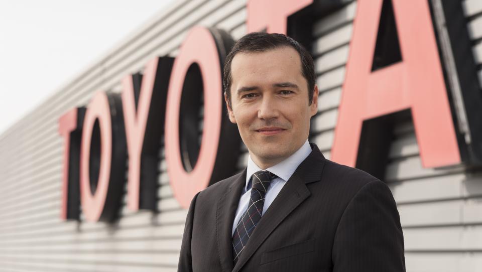 Nekdanji šef slovenske Toyote v Nemčiji zapira sto avtosalonov