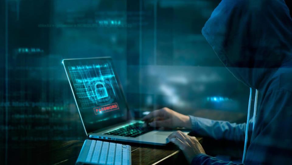 Izzivi na področju kibernetske varnosti, s katerimi se srečujejo vodstva podjetij