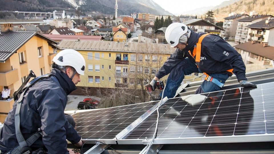Danes na vladi samooskrba z elektriko v stanovanjskih blokih