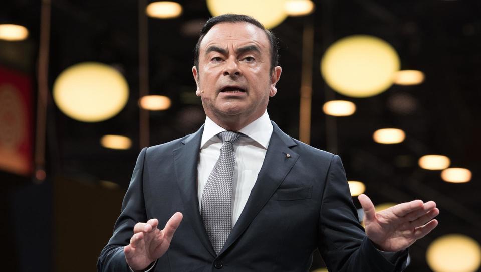 Prvi mož Renaulta in Nissana Carlos Ghosn aretiran, delnice družbe najnižje v treh letih