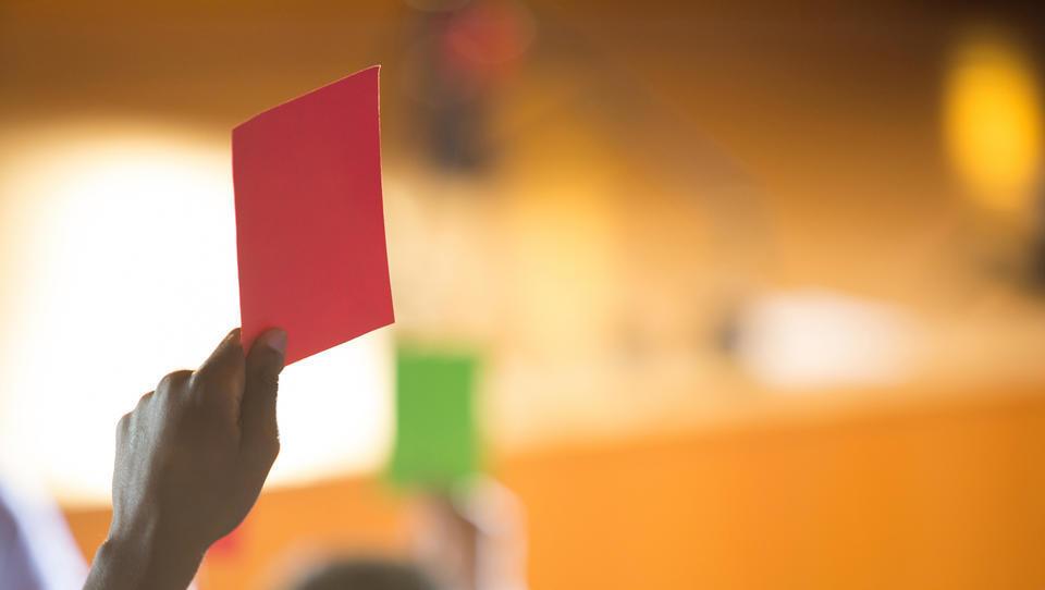 Bruselj predlaga, da za davčne spremembe ne bi bilo več potrebno soglasje