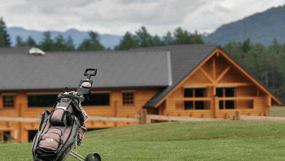 Bodo smledniško igrišče za golf kupili ruski lastniki hotela Cubo?