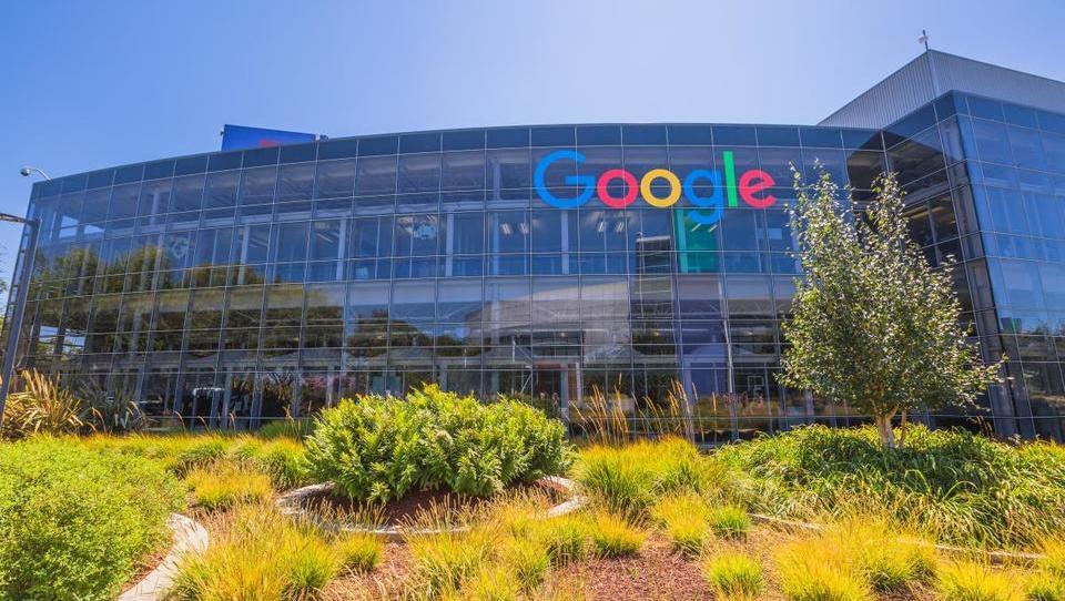 EU je Googlu naložila 2,4 milijarde evrov visoko kazen