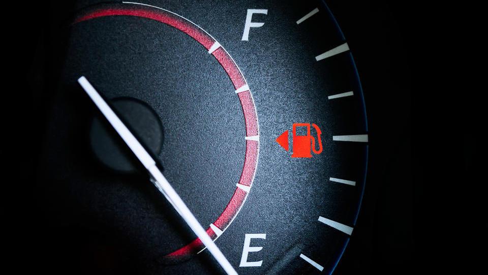 V torek ena največjih sprememb pri ceni bencina in dizla