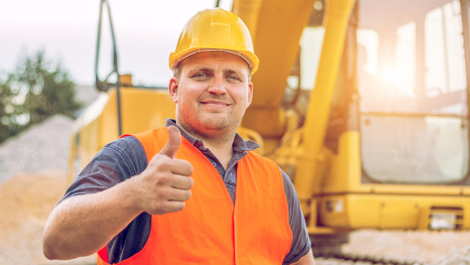 Do konca leta največ služb v proizvodnji, gradbeništvu