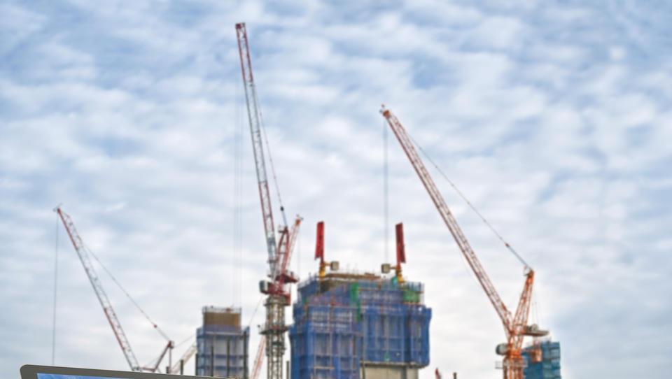 Vrednost gradbenih del se je lani povzpela na slabih 1,9 milijarde evrov