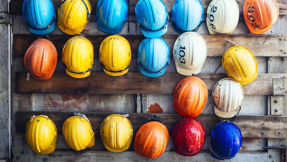V gradbeništvu 15 odstotkov več delovno aktivnih kot pred petimi leti