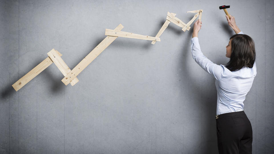 Nove napovedi MDS: manj optimistično za svetovno rast, nespremenjeno za Slovenijo