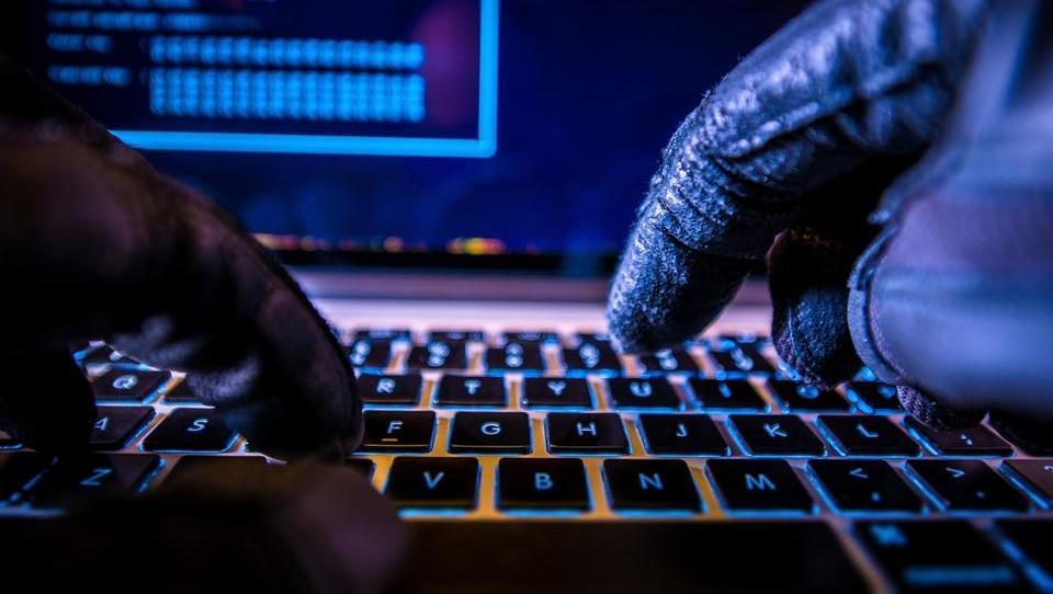 Kdo znotraj podjetja je nehote največji pomočnik kibernetskih kriminalcev