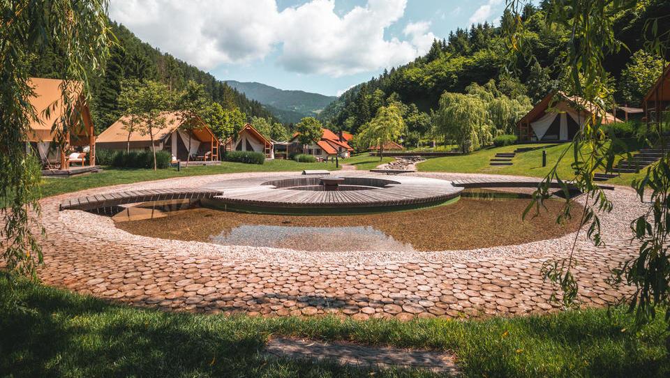 Bo slovenski turizem venel ali cvetel? Tu so napovedi za leto 2020
