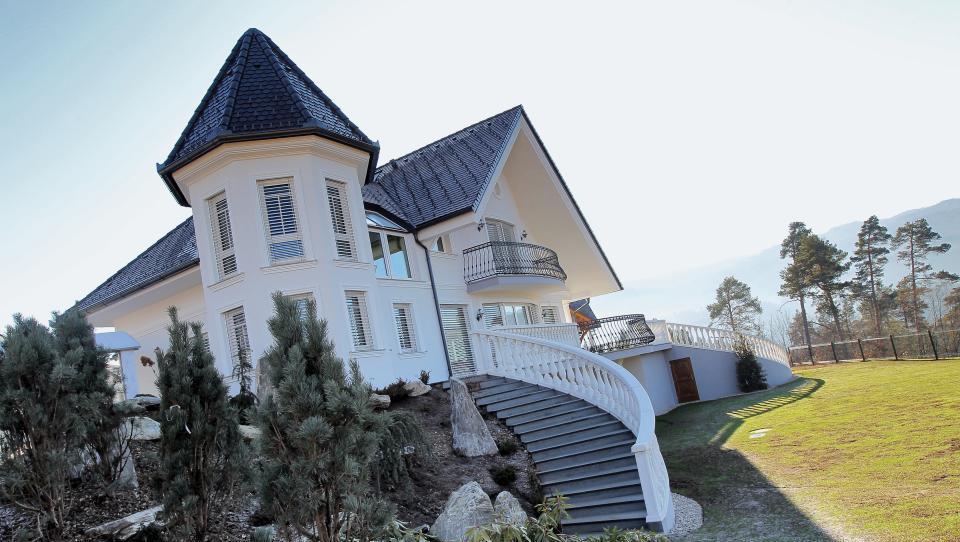 Kordeževa hiša prodana krepko nad izklicno ceno