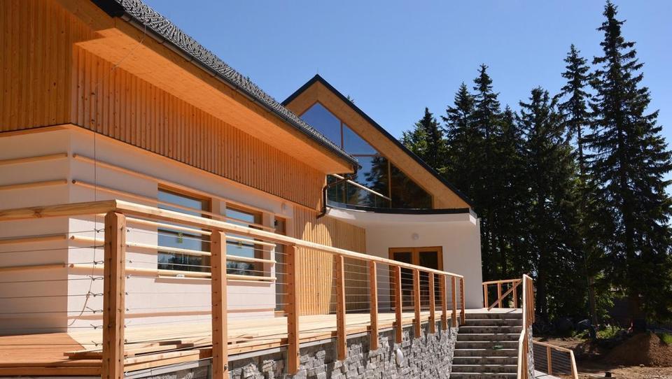 Pri gradnji z lesom je ogljični odtis najmanjši
