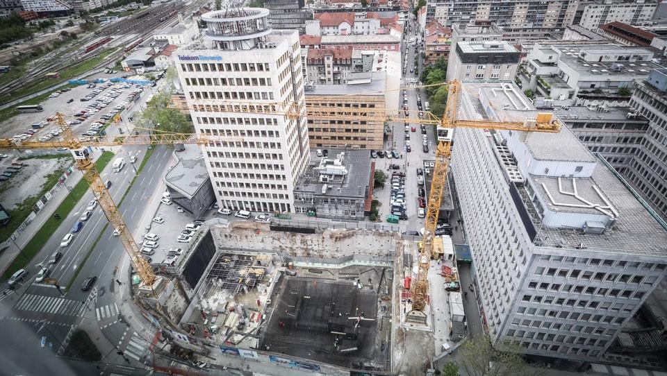 Po letu dni Počivalškove obljube akcijski načrt digitalizacije gradbeništva za javne projekte še ni sprejet