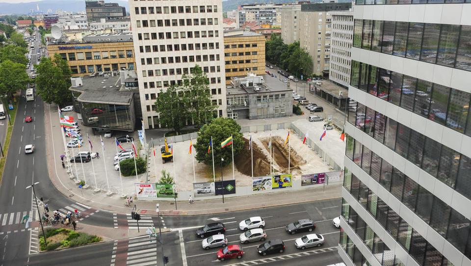 Delo: Zlatarna Celje bo hotel na Bavarcu začela graditi maja prihodnje leto