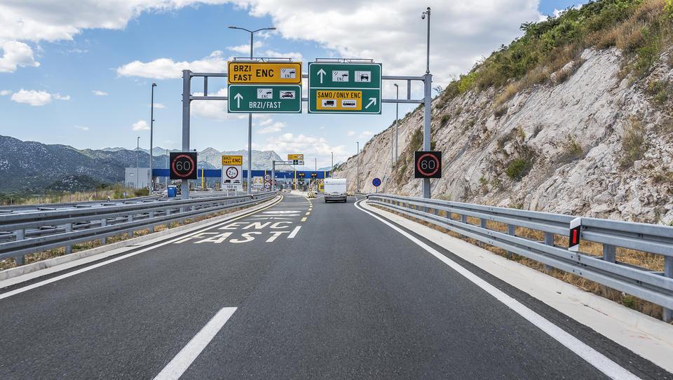Na hrvaških avtocestah v prvem polletju plačanih več cestnin