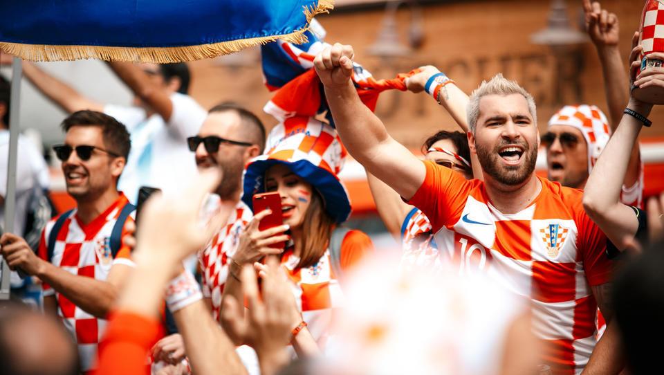 Hrvaške nogometne zmage se poznajo tudi v blagajni slovenskih mesarjev in trgovcev