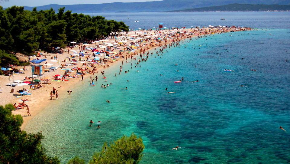 Kako Slovenci služimo s hrvaškim turističnim bumom