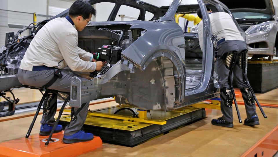 Industrijska uporaba bionskih eksoskeletov – bionic 4.0