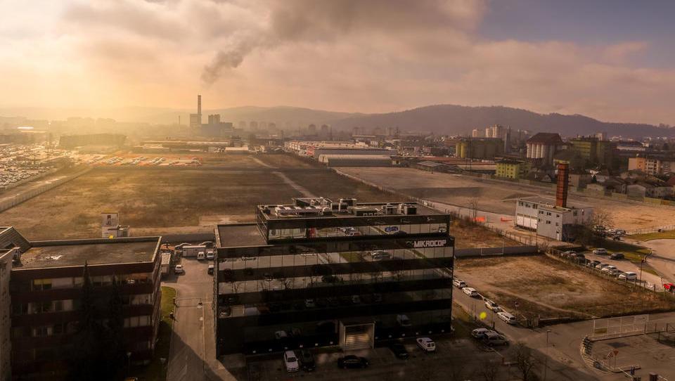 Gradnja trgovskega centra Ikea se zamika, ministrstvo zahteva dopolnitev gradbenega dovoljenja