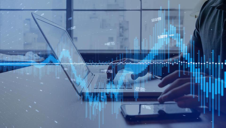 Analitiki napovedujejo: Letos lahko pričakujemo skromno rast trga IKT