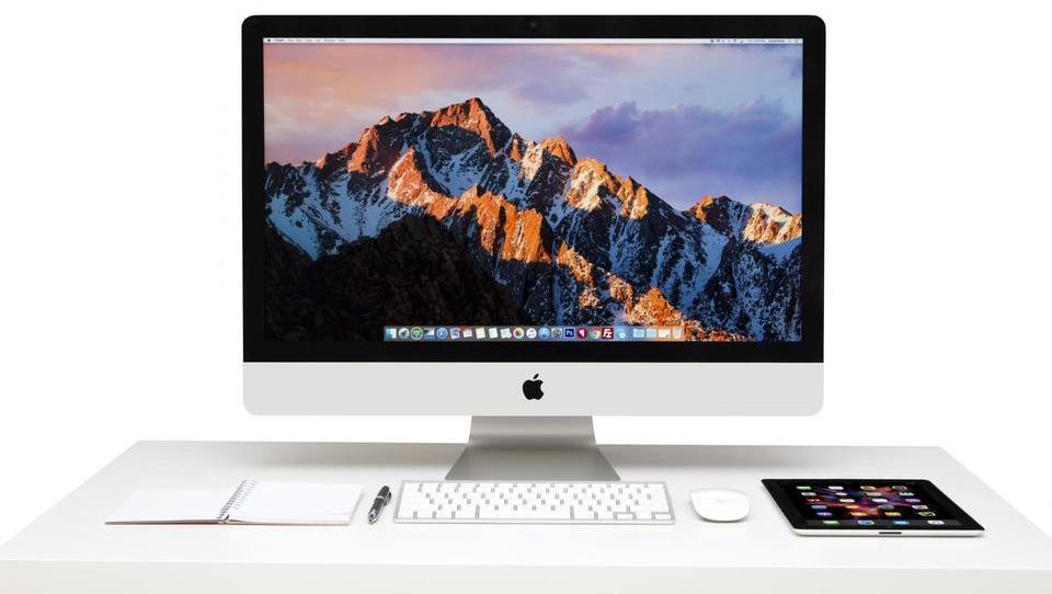 Apple z novimi napravami starega videza in veliko ugankami pri naročniških storitvah