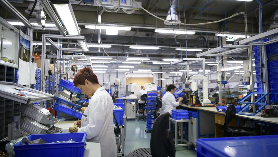 Tako proizvodnim podjetjem pomagajo do še boljšega poslovanja