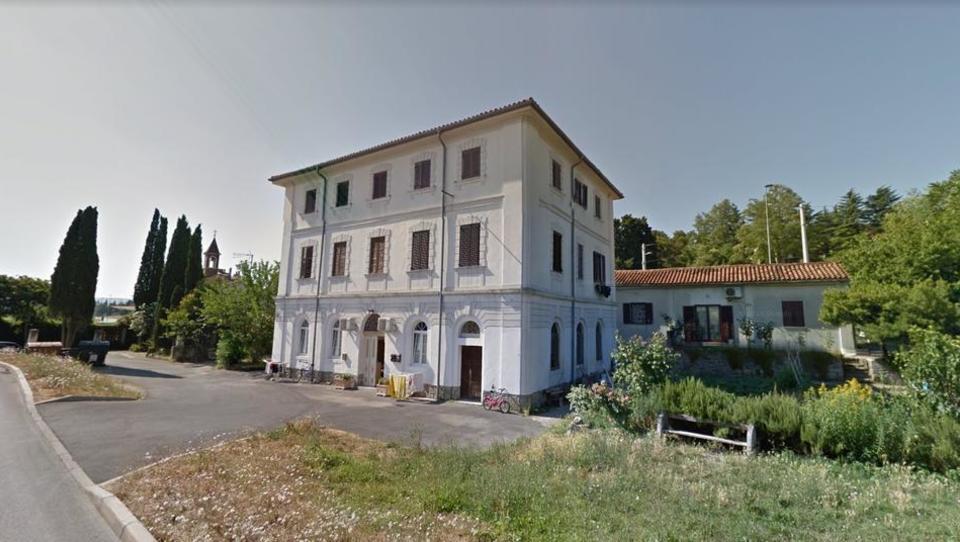 TOP dražbe: stanovanja v Ljubljani in Kopru, apartma v Umagu, zemljišče na Dobrovi
