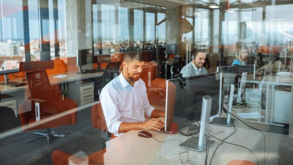 Luksemburg financira digitalno prekvalifikacijo zaposlenih