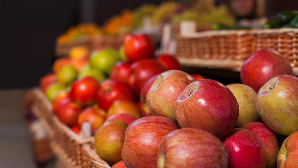 Kaj se dogaja na svetovnem trgu jabolk