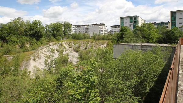 Država gnezdi v vsaj 3,5 milijona evrov vredni gradbeni jami za Bežigradom
