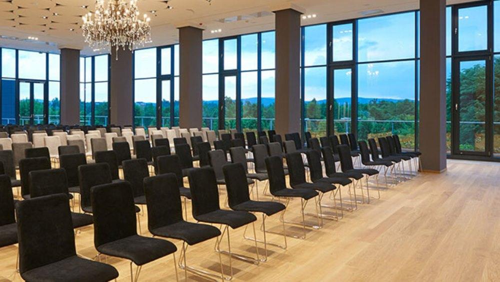 Zakaj se udeležiti prve Konference o načrtovanju z naravno svetlobo