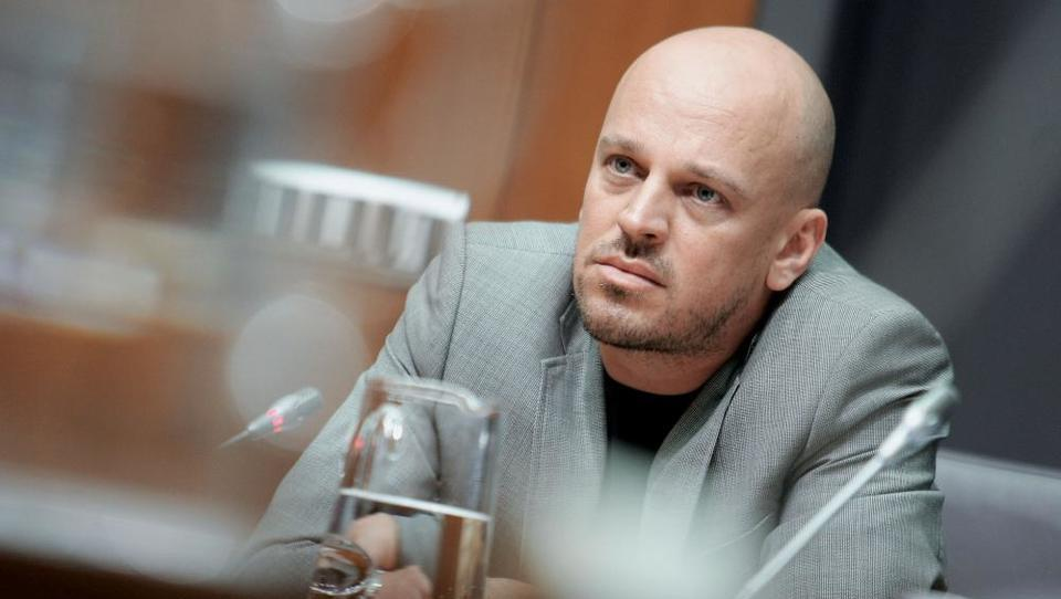 Siol: Jankovićev slamnati mož za več milijonov evrov kupil nekdanjo tovarno pri Mercatorju