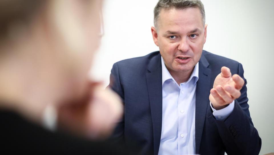 Peter Jenko, novi šef Fursa: Lekcije o pobiranju davkov lahko damo le, če država denar dobro porabi