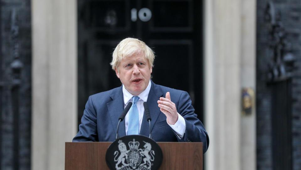 Johnson gre s parlamentom na nož: je trdi brexit še mogoče preprečiti in čemu prepir o datumu predčasnih volitev