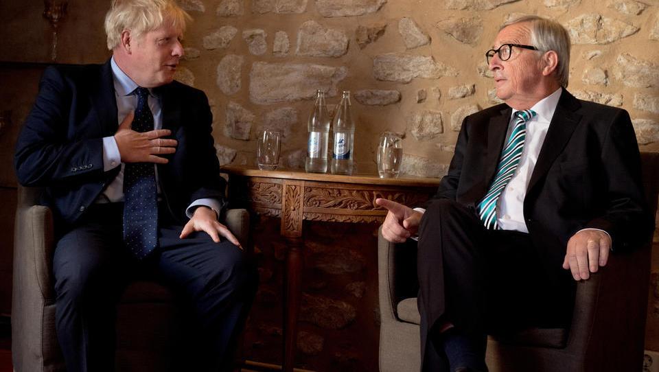 Kaj se je izcimilo iz srečanja premiera Johnsona in šefa komisije Junckerja