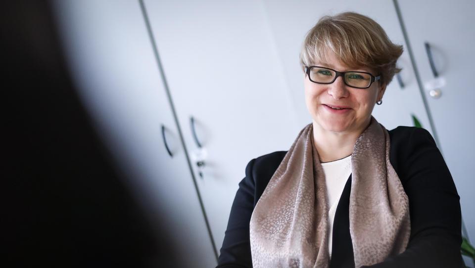 Jerneja Jug Jerše, ekonomistka, ki članicam EU pomaga pri strukturnih reformah in povezuje Slovence v Bruslju