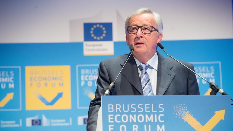 Juncker: vprašajmo se, kaj lahko gospodarstvo naredi za ljudi