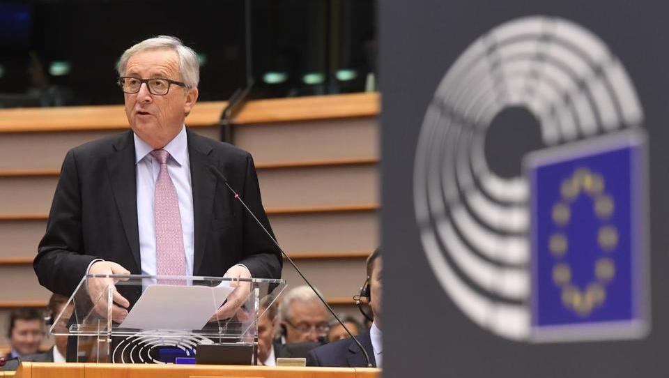 Predsednik Juncker predlaga pet scenarijev